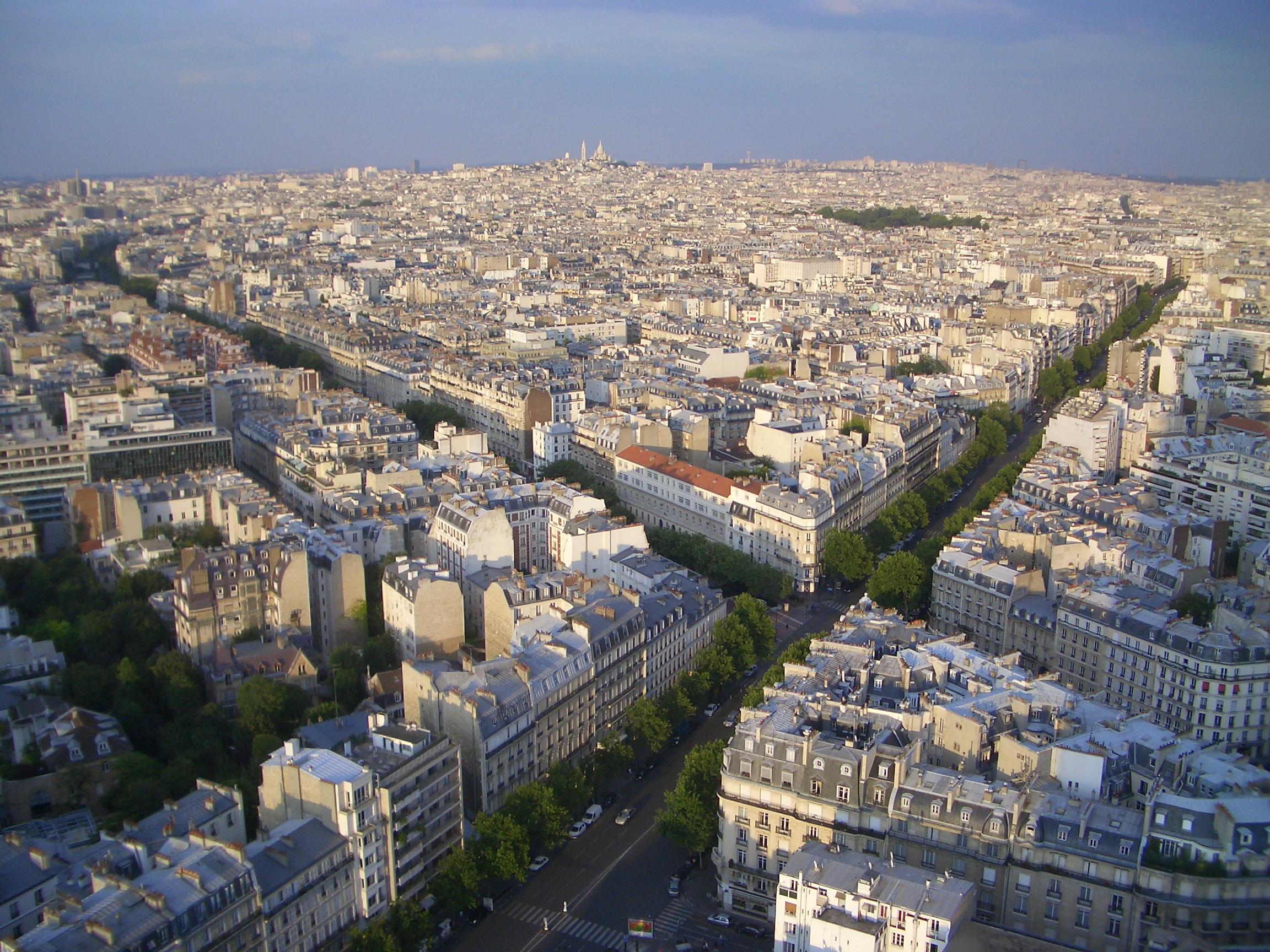 http://worldtravels.markwdanielson.com/myPictures/Paris%200807%20001.jpg